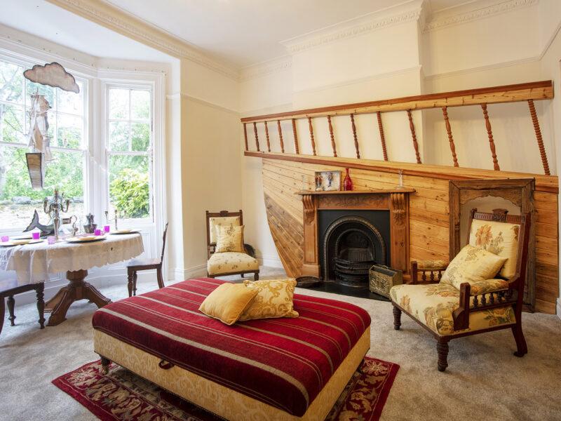 Dreamship livingroom